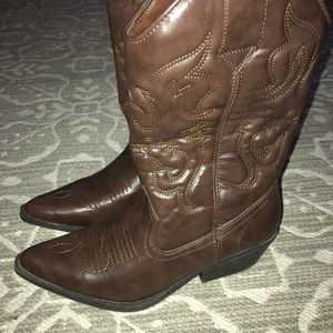 Xhilaration Shoes - Cowgirl boots
